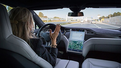美国启动调查全球首起自动驾驶汽车致命车祸案