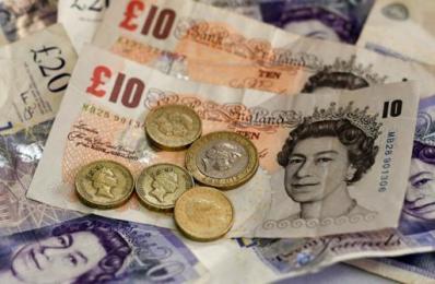英镑闪崩后远未触底 强势美元动能不减