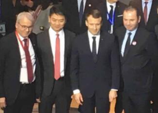 法国总统马克龙会见刘强东 京东未来两年销售20亿欧元法国商品