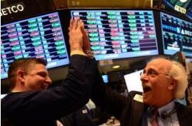 美股早报:美股周三大幅攀升 道指首次突破26000点关口