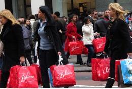 外媒:美国消费者信心8月份飙升至18年来的最高点