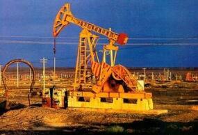 策略师:美国制裁伊朗将推动布油升破100美元