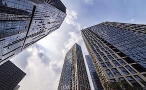 密集转让房地产项目 国企加速剥离房地产业务
