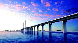 港珠澳大桥单日使用人次逾8.6万 创开通以来新高