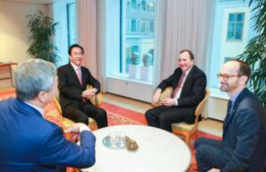 瑞典首相会见许家印 期待恒大NEVS做大做强