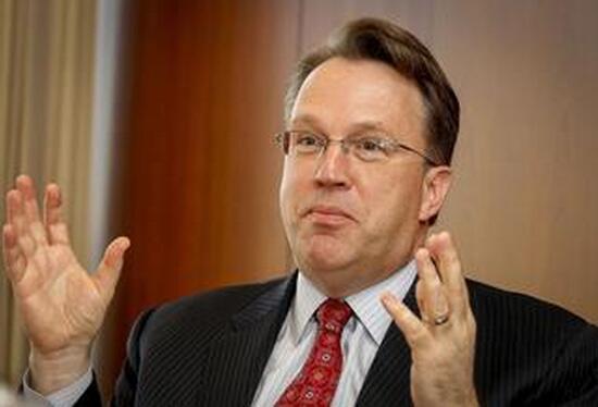 美联储:美国经济放缓将成新常态 不排除QE和负利率