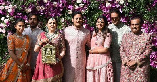 去年嫁女今年娶媳 印度首富儿子大婚再次震动世界