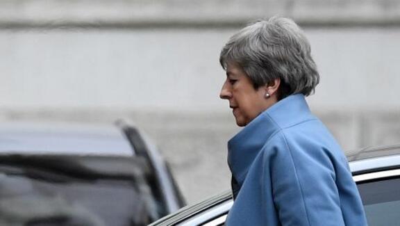 梅承诺若保守党支持她的脱欧协议 就会辞任英国首相