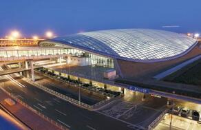 白云机场:将为执行疫情防控任务航班开通绿色通道并减免费用