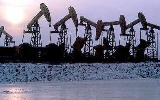 原油暴跌重创美石油行业 美政府拟入股能源企业