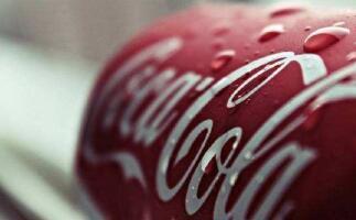 利润承压 可口可乐先涨价后卖酒